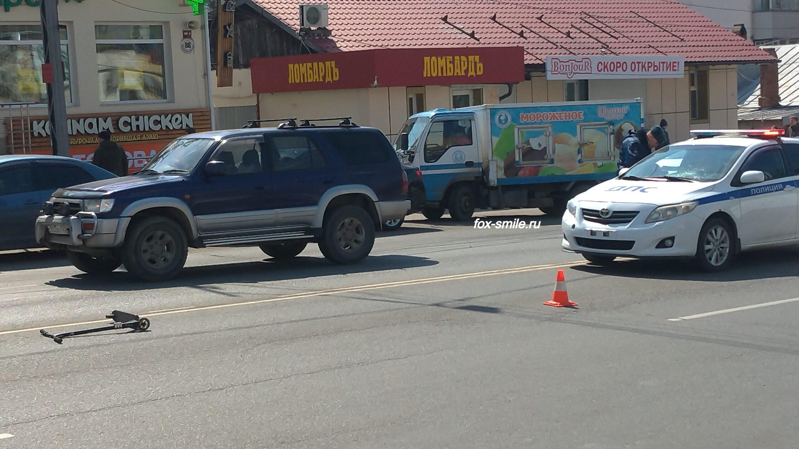 Пешеходы обязаны воздержаться от перехода дороги, при приближении транспортных средств с включенным проблесковым маячком и звуковым сигналом.