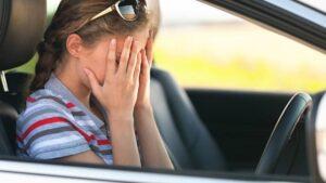 Read more about the article Полезные советы, как побороть страх вождения автомобиля новичку